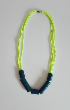 gumičkový náhrdelník